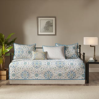 Madison Park Maya Teal 6 Piece Quilted Daybed Set|https://ak1.ostkcdn.com/images/products/16767013/P23075811.jpg?_ostk_perf_=percv&impolicy=medium