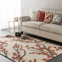 "Colonial Home Cream Floral Handmade Area Rug - 5' x 7'6"""