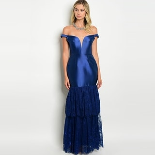 Shop The Trends Women's Short Sleeve Off The Shoulder Mermaid Gown With Lace Hem And Sweetheart Neckline