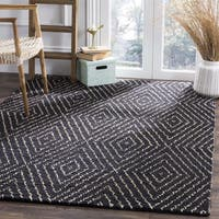 Safavieh Bohemian Hand-Woven Contemporary Geometric Black/ Ivory Area Rug (6' Square)