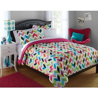 Formula Bright Chevron Bed in a Bag Set|https://ak1.ostkcdn.com/images/products/16807588/P23111412.jpg?impolicy=medium