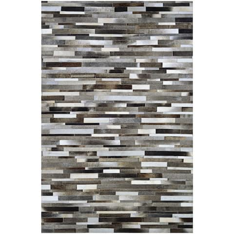Couristan Chalet Tether Natural Cowhide Handcrafted Area Rug - 5'4 x 8'