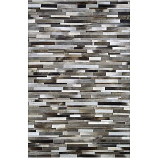 Couristan Chalet Tether Natural Cowhide Handcrafted Area Rug (5'4 x 8')