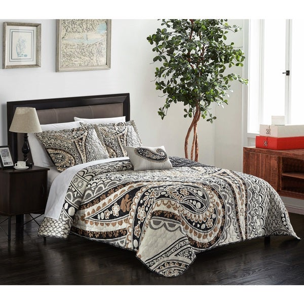 Chic Home Bellatrix 4-piece Beige Reversible Quilt Set with Decorative Pillow and Shams