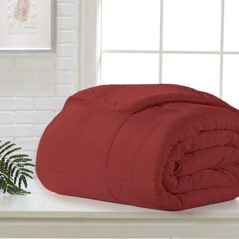 Exquisite Hotel Down Alternative Comforter