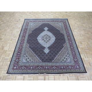 Hand-knotted Mahi Tabriz Black Wool and Silk Oriental Rug (7'11 x 9'10)