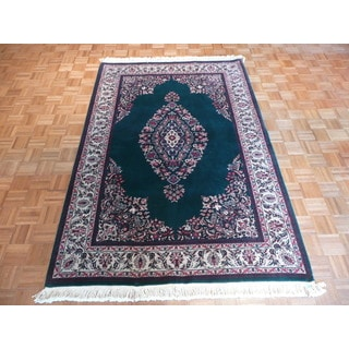 Hand-knotted Sarouk Green Wool Oriental Rug (5'6 x 8'6)