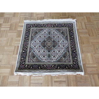 Mahi Tabriz with Ivory Wool and Silk Oriental Hand-knotted Rug (3'1 x 3')