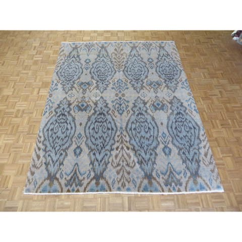 Hand-knotted Ikat Soft Gold Wool Oriental Rug - 8'1 x 10'2