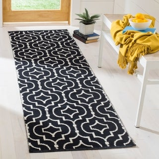 Safavieh Montauk Contemporary Hand-Woven Cotton Black/ Ivory Runner Rug (2'3 x 7')