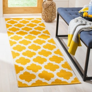 Safavieh Montauk Contemporary Hand-Woven Cotton Yellow/ Ivory Runner Rug (2'3 x 7')