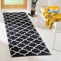 Safavieh Montauk Contemporary Hand-Woven Cotton Black/ Ivory Runner Rug (2'3 x 7')