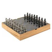 Umbra Buddy Natural Chess Set