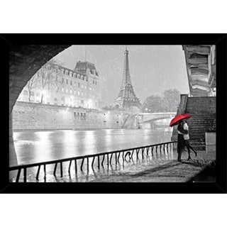 Eiffel Tower Kiss With Choice of Frame (24x36)