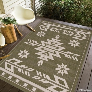 Sage Green/ Ivory Indoor Outdoor With Arrow Pattern Area Rug (5' x 7')