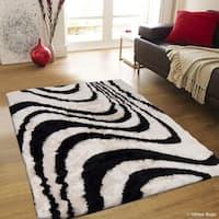 "Allstar Black/ Off-White Stripe Design Thick High Pile Rug (4' 11"" X 6' 11"")"