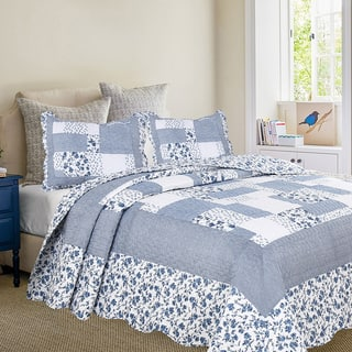 Oversized Periwinkle Dash Quilt with Standard Pillow Shams Set|https://ak1.ostkcdn.com/images/products/16912513/P23205110.jpg?impolicy=medium