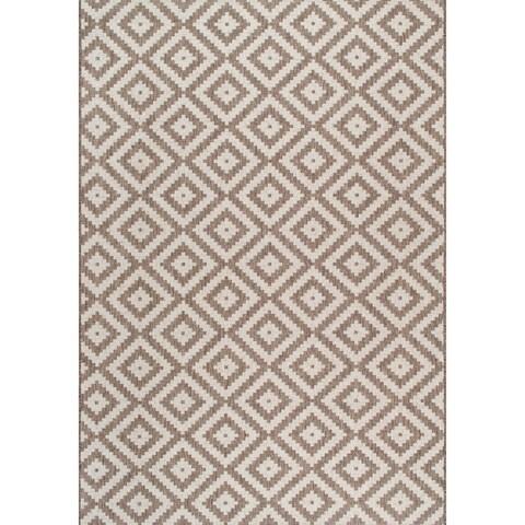 nuLOOM Indoor/Outdoor Moroccan Geometric Diamond Area Rug