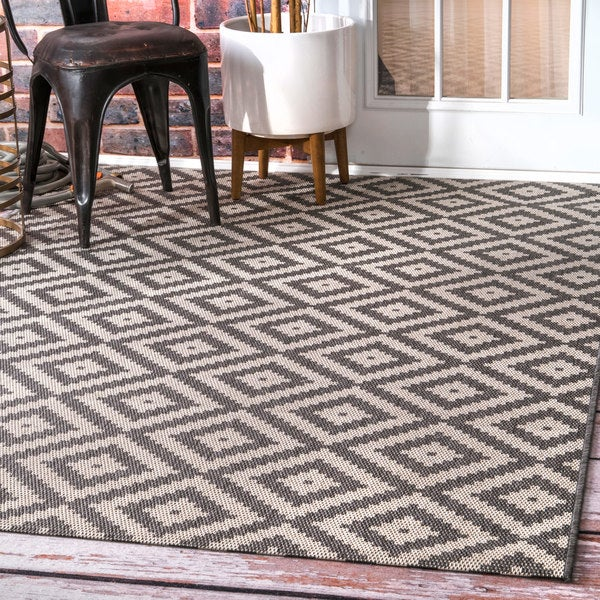 Nuloom Indoor Outdoor Moroccan Geometric Diamond Grey Rug