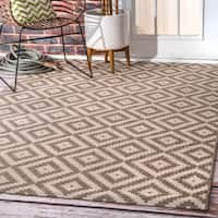 nuLOOM Indoor/Outdoor Moroccan Geometric Diamond Beige Rug