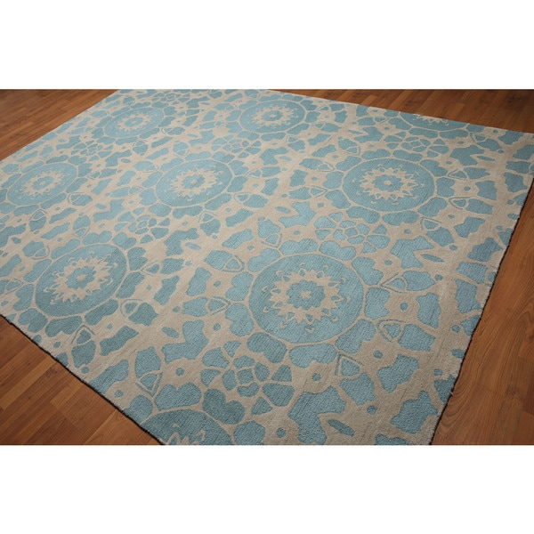 Shabby Chic Blue/ Beige Wool Medallion Handmade Area Rug - 8' x 11'