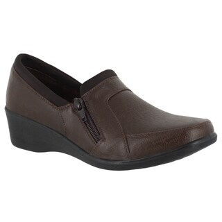 Easy Street Women's Edith Casual Wedge (Brown)
