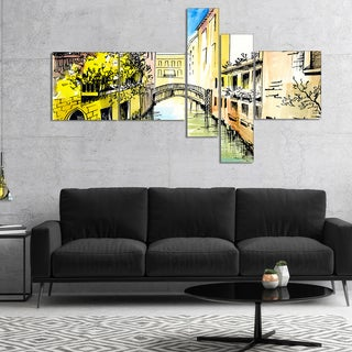 Designart 'Canal in Venice' Cityscape Canvas Artwork