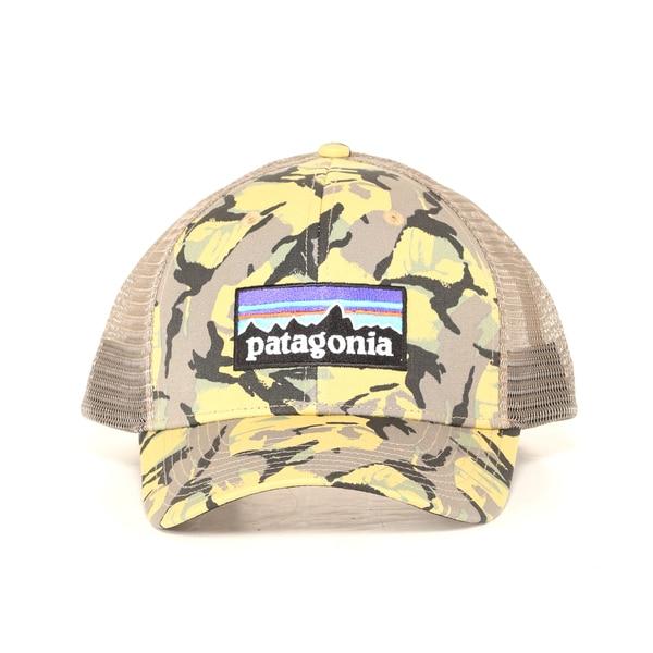 Shop Patagonia Big Camo Classic Tan P-6 Logo Trucker Hat - Free ... e6a16410567