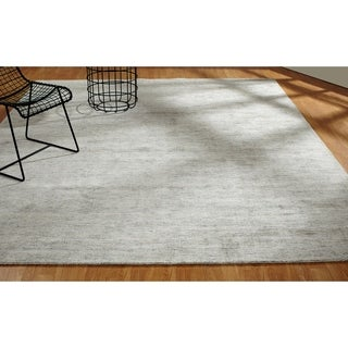 Aero Moonglow Grey Handmade Area Rug (3'6 x 5'6)