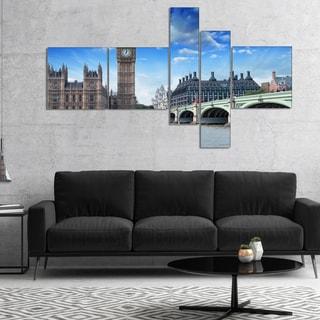 Designart 'Houses of Parliament and Westminster Bridge' Modern Cityscape Canvas Art Print