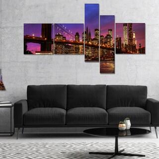 Designart 'Brooklyn Bridge and Manhattan at Sunset' Pink - Extra Large Canvas Art Print