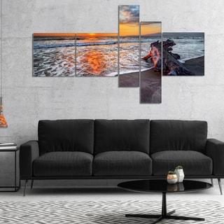 Designart 'Fantastic Sandy Shore at Sunset' Seashore Canvas Art Print