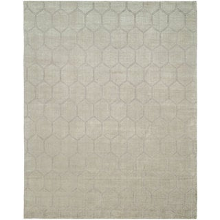 Avalon Pearl Grey Wool and Viscose Handmade Area Rug (10' x 14')