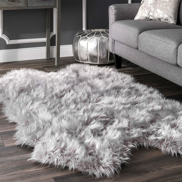 Nuloom Faux Flokati Sheepskin Soft And Plush Cloud Light