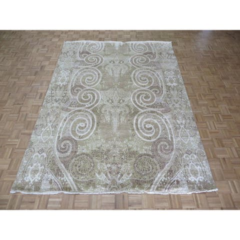 Beige Silk-blend Hand-knotted Oriental Rug - 8' x 10'7