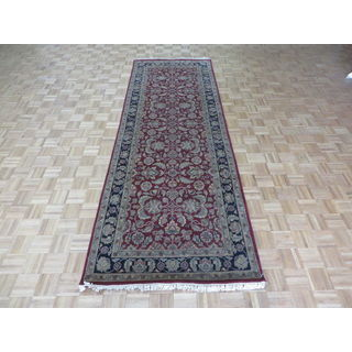 Agra Burgundy 100-percent Wool Hand-knotted Oriental Rug (4'1 x 11'9)