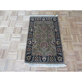 Hand Knotted Sage Green Agra with 100% Wool Oriental Rug (2'0 x 3'0) - 2' x 3'