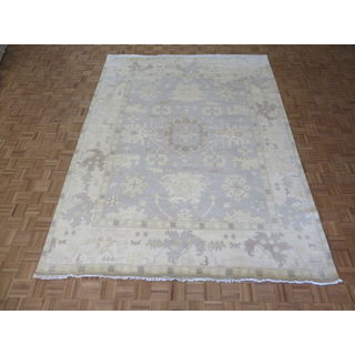 Hand-knotted Soft Blue Oushak Wool Oriental Rug (8'11 x 11'10)