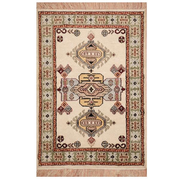 Herat Oriental Indo Hand-knotted Qum Silk Rug (2' x 3') - 2' x 3'