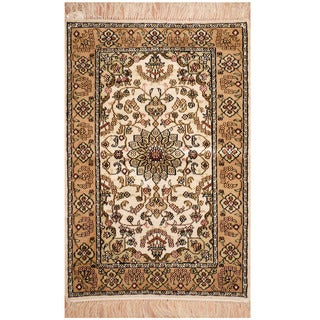 Herat Oriental Indo Hand-knotted Qum Silk Rug (2' x 3')