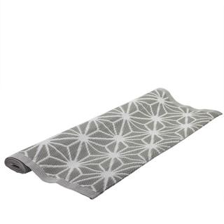 4' x 6' Basic Luxury Gray and White Snowflake Design Outdoor Area Throw Rug