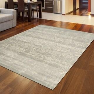Catherine Classic Grey Area Rug (3'3 x 4'11) - 3'3 x 4'11