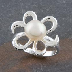 Sterling Silver 7-mm Freshwater Pearl 'Flower' Ring (Thailand)