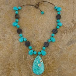 Turquoise and Onyx Bead 18-inch Necklace (Thailand)