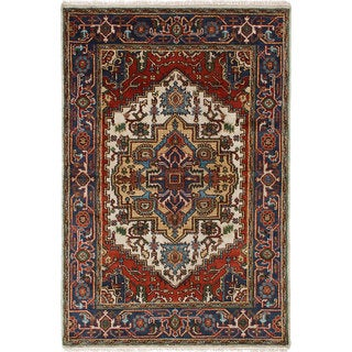 ECarpetGallery Hand-Knotted Serapi Heritage Ivory, Red  Wool Rug (4'1 x 6'2)