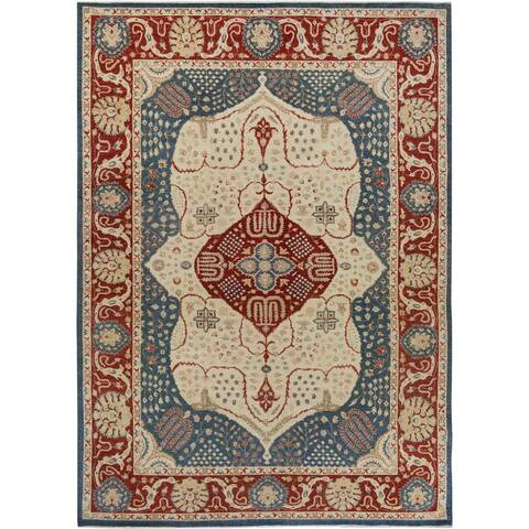 Hand-Knotted Heriz Art Rust/Blue Wool Rug (10'1 x 14'0) - 10 ft. 1 in. x 14 ft. 0 in. - 10 ft. 1 in. x 14 ft. 0 in.