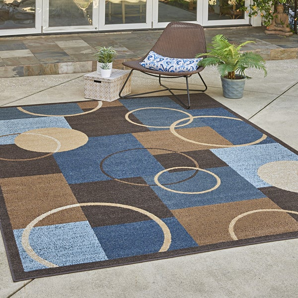"Avenue33 Boswell Indoor/Outdoor Blue Area Rug by Gertmenian (7'10"" x 10') - 7'10"" x 10'"