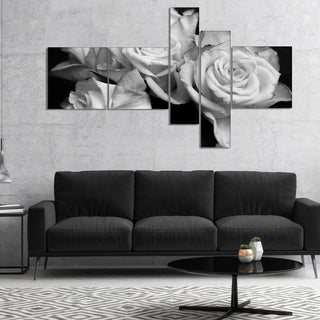 Designart 'Bunch of Roses Black and White' Floral Art Canvas Print