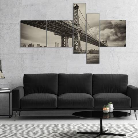 Designart 'Manhattan Bridge in Dark Gray' Cityscape Photo Canvas Print - Black