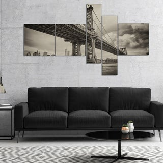 Designart 'Manhattan Bridge in Dark Gray' Cityscape Photo Canvas Print - Black
